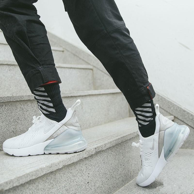 Max 270 DIY Metallic Summit White on feet