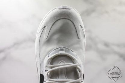 Nike Air Max 270 React toe