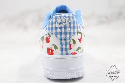 Nike Air Force Low White Cherry heel