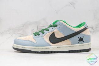 Nike SB Dunk Low Maple Leaf