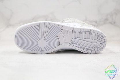 Nike SB Dunk Low Silver Shiny bottom