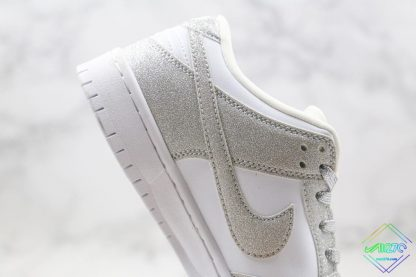 Nike SB Dunk Low Silver Shiny panel swoosh