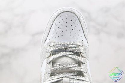 Nike SB Dunk Low Silver Shiny upper
