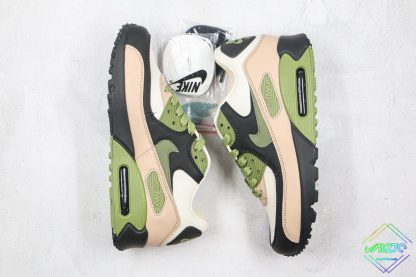 Nike Air Max 90 NRG Lahar Escape laces