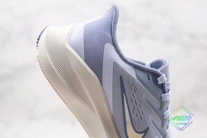 Nike Zoom Winflo 7 Light Blue midsole