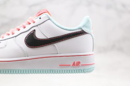 Nike Air Force 1 '07 L.V.8 White Atomic Pink red