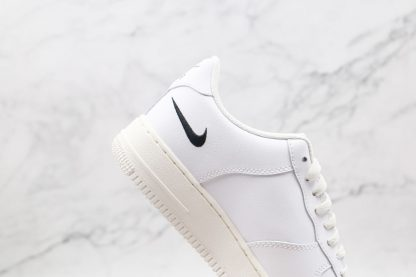 Nike Air Force 1 Low White Multi-Swoosh hindfoot