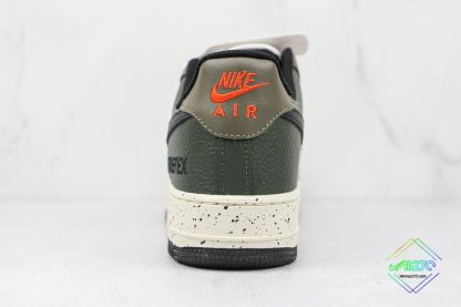 Nike Air Force 1 Low Gore-Tex Escape heel
